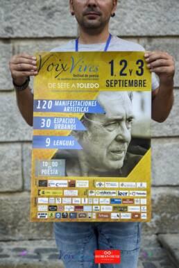 Voix Vives 2017 | Diseño gráfico del cartel promocional del Festival Internacional de Poesía de Toledo Voix Vives. Realizado por el diseñador gráfico, web y fotógrafo freelance de Madrid, Demian Ortiz. En la imagen el cantautor Paco Ibáñez, padrino del festival de poesía Voix Vives.