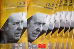 Voix Vives 2017 | Adaptación gráfica de la imagen del cartel para el programa oficial del festival, realizada por el diseñador gráfico, web y fotógrafo freelance de Madrid, Demian Ortiz. En portada el cantautor Paco Ibáñez, padrino del festival de poesía Voix Vives.