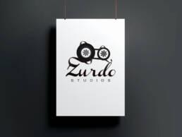 Diseño de logotipo profesional de Zurdo Studios y creación de su manual de uso de marca, en Madrid.