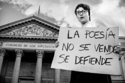 Perdidos. Un lugar para encontrar | Retrato fotográfico de la poeta Ana Pérez Cañamares.
