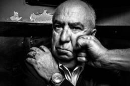 Perdidos. Un lugar para encontrar | Retrato del poeta Ángel Guinda.