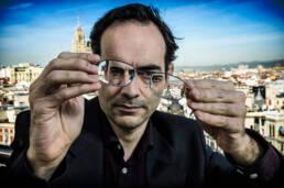 Prensa | Retrato fotográfico editorial de Juan Díaz Canales guionista de cómic de Blacksad y Corto Maltés.