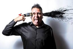 Vociferio | Fotografía retrato editorial de Boke Bazán, diseñador gráfico y director creativo de la agencia de publicidad de Valencia Nociones Unidas